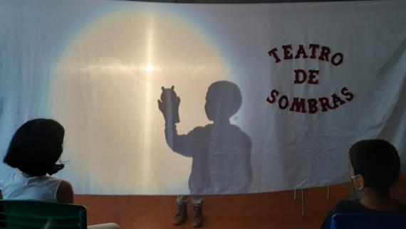 Escola André Marafon realizou teatro de sombras