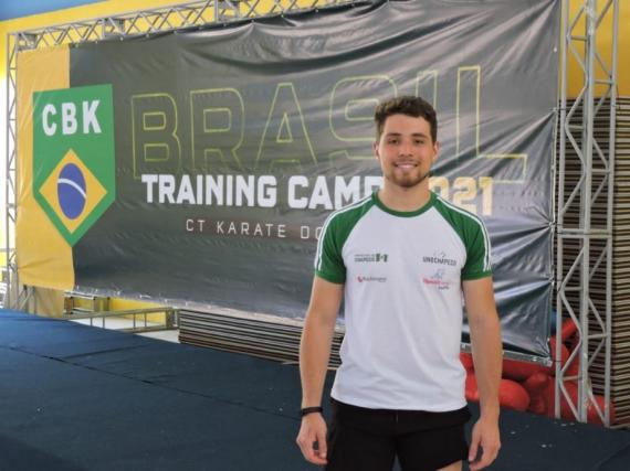 Meeting de Karatê com melhores do país tem atleta chapecoense