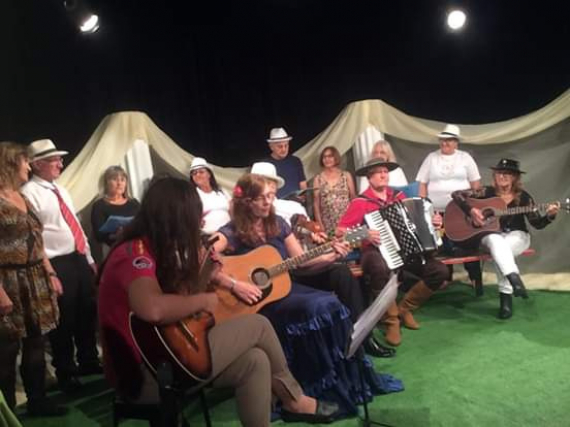 CEU das Artes promove Sarau Chapecó 102 anos